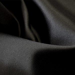 Атлас стрейч плотный, art.8020 №25 черный. Состав 95% полиэстер, 5% эластан.